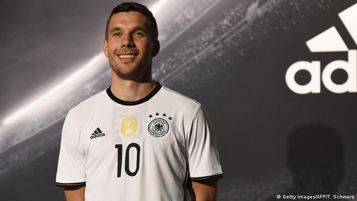 Deutschland Lukas Podolski Nationalmannschaft neues Trikot (Getty Images/AFP/T. Schwarz)