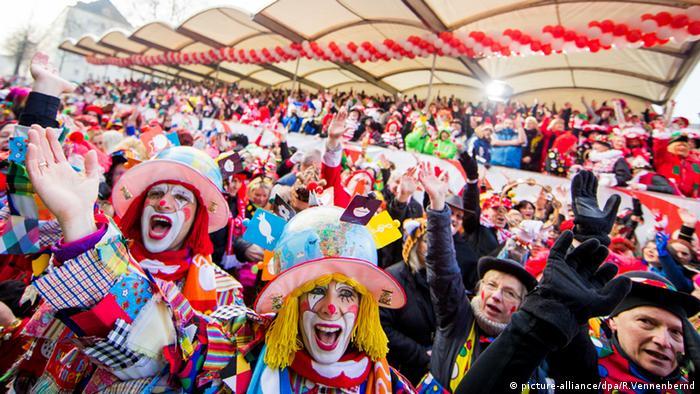 Karneval Alter Markt Köln Jecken NRW Deutschland