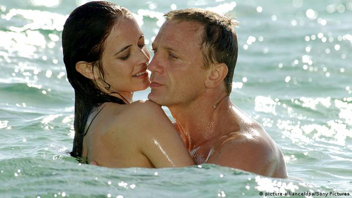 Daniel Craig and Eva Green in Casino Royal (picture-alliance/dpa/Sony Pictures)