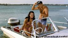 Sean Connery James Bond Feuerball Martine Beswick