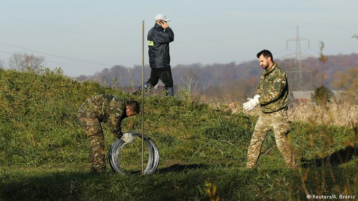 Slovenia building a fence along the Croatian border, November 2015