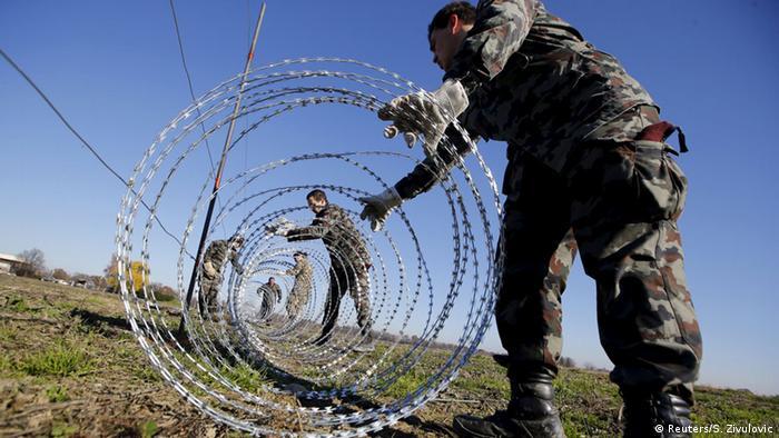 Slowenien baut Zaun an der Grenze zu Kroatien (Reuters/S. Zivulovic)