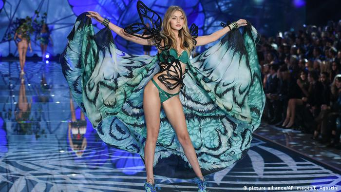Bildergalerie Victoria's Secret Fashion (picture alliance/AP Images/E. Agostini)
