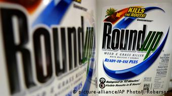 Monsanto's glyphosate-based weed killer, Roundup © picture-alliance/AP Photo/J. Roberson