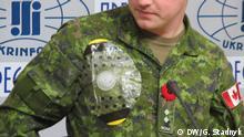 Ukraine Kanadische Soldaten führen Medizinzubehör vor