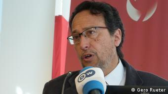 Medardo Ávila Vázquez advierte de los riesgos del glifosato.