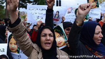 Hazara-Frauen protestierten Mitte November in Kabul nach Morden an Mitgliedern ihrer Volksgruppe (Foto: Getty Images/AFP)