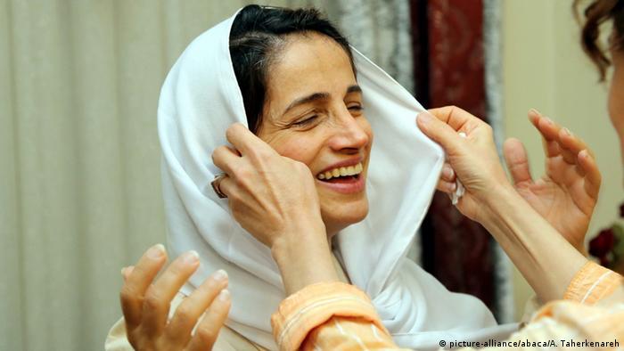 Iran Nasrin Sotudeh Menschenrechtsaktivistin (picture-alliance/abaca/A. Taherkenareh)