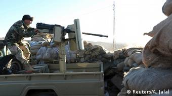 Wapiganaji wa Peshmerga wakipambana na IS Sinjar