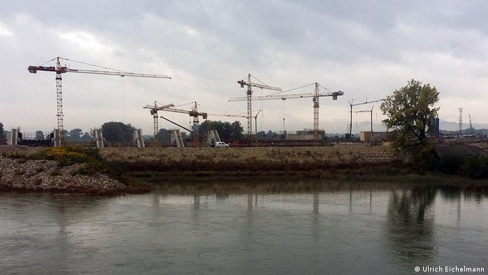 Slowenien Brezice Sava Fluss Baustelle Damm (Ulrich Eichelmann)