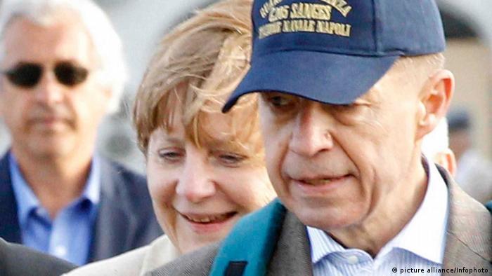 Merkel und Sauer im Ischia-Urlaub (06.04.2012) - Foto: Infophoto (AGN)