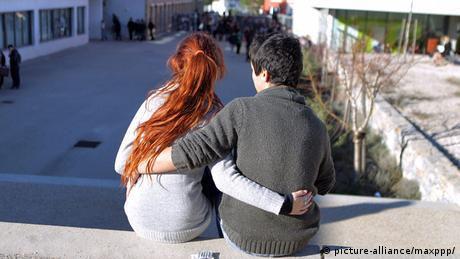 Symbolbild Paar Pärchen Liebe Beziehung Jugend