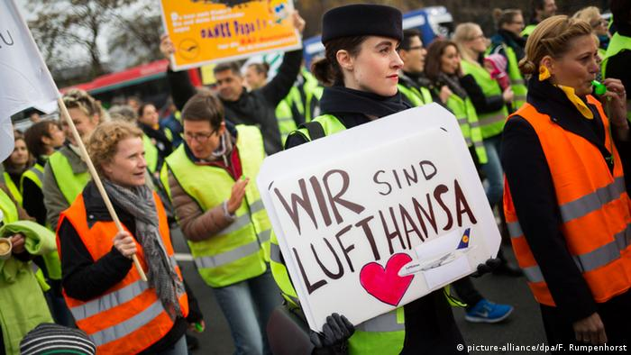 Lufthansa workers protest outside the carrier's Frankfurt headquarters on November 13, 2015.