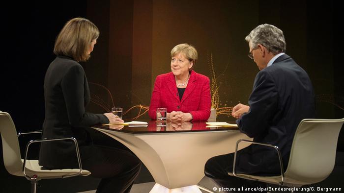 Deutschland Berlin Bundeskanzlerin Angela Merkel im ZDF Interview