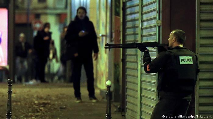 На улицах Парижа в ночь с пятницы на субботу