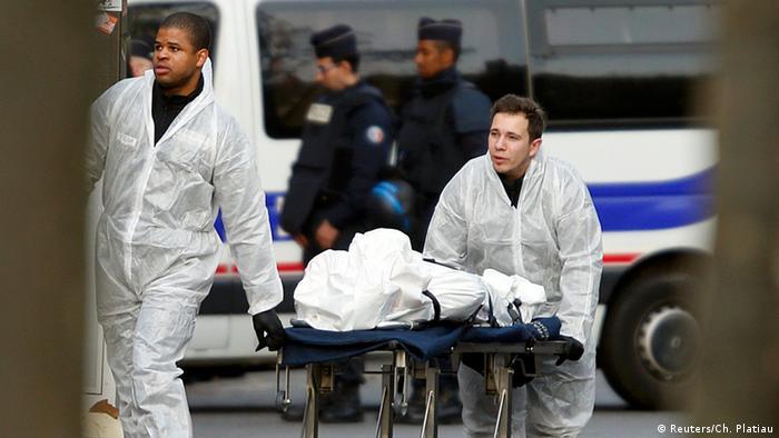 Одна из жертв нападения террористов на концертный зал Батаклан (Bataclan)
