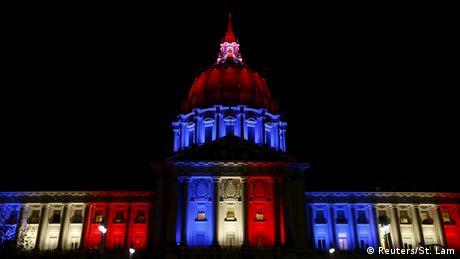 Solidaritätswelle für Frankreich City Hall