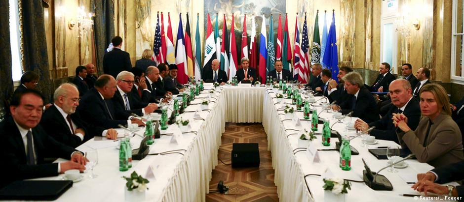Representantes de 17 países se reuniram em Viena para debater futuro sírio