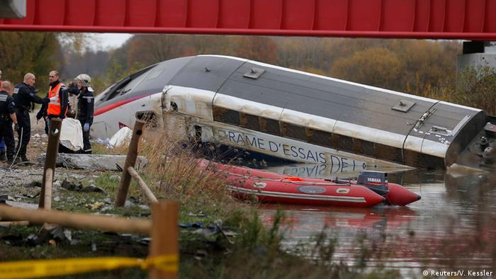 TGV test train crash in canal