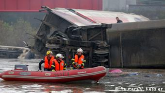 Rescue teams at the TGV crash site
