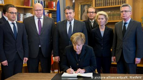 Frankreich Paris Anschlag Gedenken Kondolenzbuch Merkel