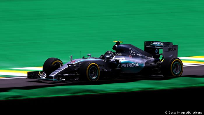 Nico Rosberg im Silberpfeil beim Qualifying in Sao Paulo. Foto: Getty Images