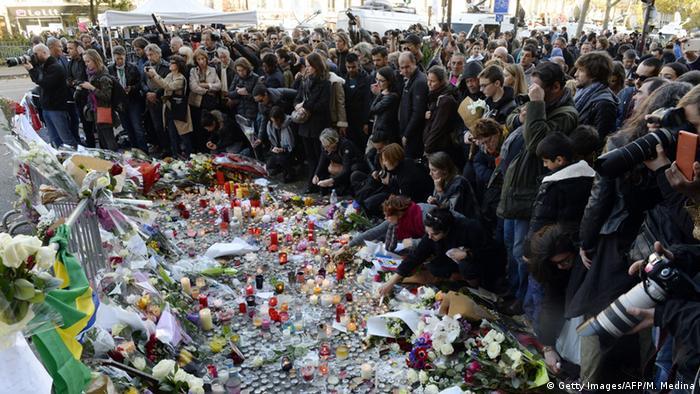 شهروندان سوگوار پاریس، ۱۵ نوامبر ۲۰۱۵