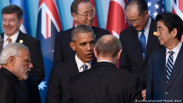 G-20-Gipfel in Antalya Obama und Putin (picture-alliance/AP Photo/S. Walsh)