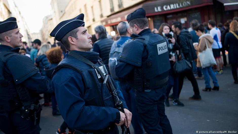 La France en deuil frappe l'EI en Syrie