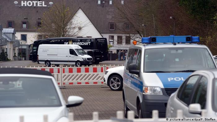 Deutschland Polizei vor dem Länderspiel in Hannover