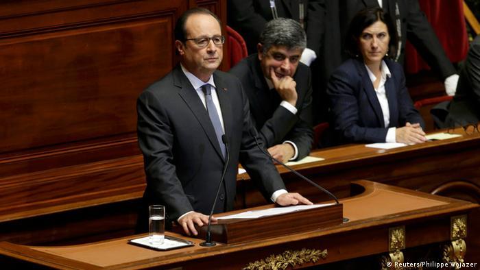 """""""A França está em guerra"""", diz Hollande"""