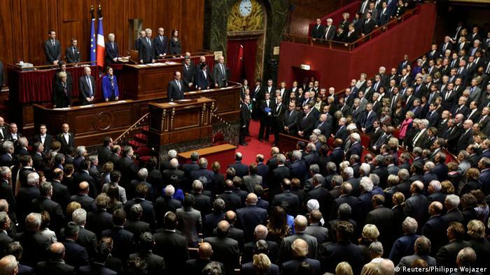 Frankreich - Präsident Hollande spricht vor der Nationalversammlung und dem Senat
