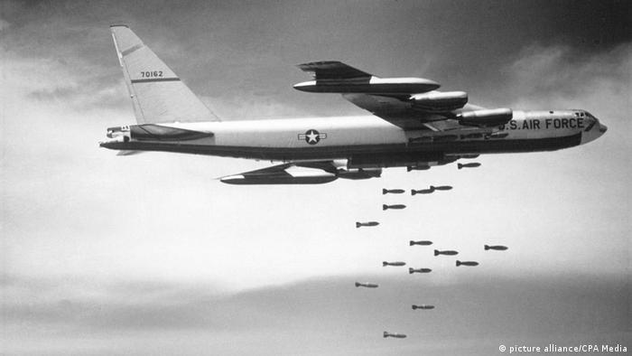 Bildergalerie Vietnam US-amerikanischer B52-Bomber