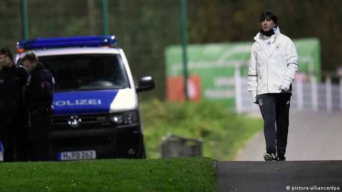 Deutschland - Strenge Sicherheitsvorkehrungen Joachim Löw