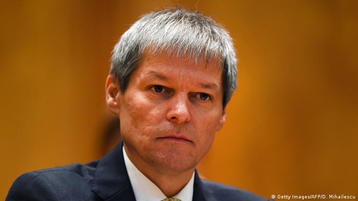 Premierul României, Dacian Cioloş, în Parlament