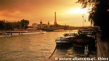 Frankreich Paris Abendstimmung an der Seine
