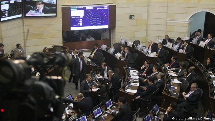 Kolumbien Bogota Kongresssaal (picture-alliance/D.Pineda)