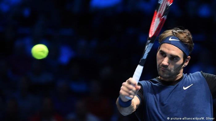 Roger Federer beim ATP World Tour Finale (Foto: picture-alliance/dpa/W. Oliver)