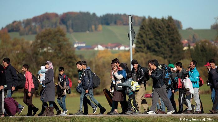 Deutschland Flüchtlinge bei Wegscheid an der Grenze zu Österreich