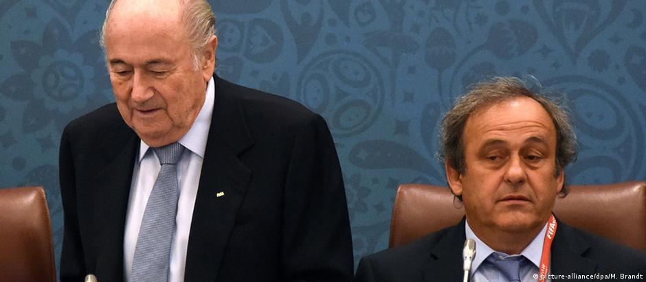 Blatter e Platini foram suspensos em outubro