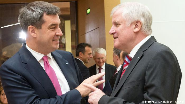 Horst Seehofer and Markus Söder (picture-alliance/dpa/P. Kneffel)
