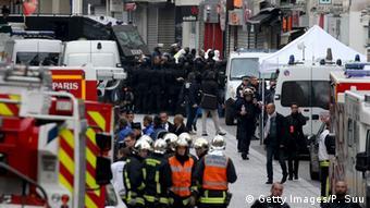 Сен-Дени после полицейской спецоперации