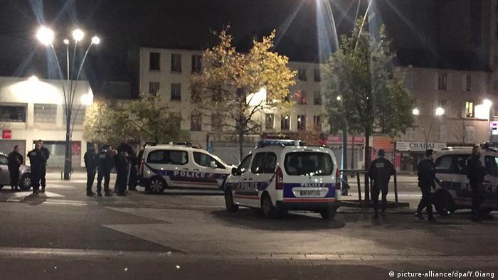 Frankreich Saint Denis Polizei Absperrung Terrorismus