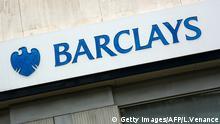Barclays Logo Schriftzug Gebäude Außenansicht Bank Großbritannien