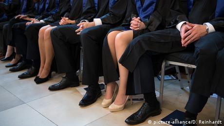 Symbolbild Gender Geschlechter Gehalt