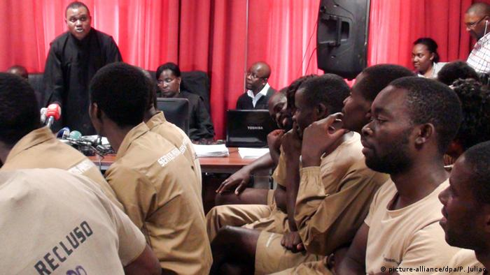 The 17 Angolan activists, 15 of which are in custody, accused of preparatory acts of rebellion, were this morning present on trial in the Court of Benfica in Luanda, Angola, 16 November 2015. The activists are all accused, among other crimes,of the crime of co-authoring of material preparatory acts of rebellion, and of an attempt on the President of Angola, as part of a weekly training course that was occurring since May. Copyright: picture-alliance/dpa/P. Juliao