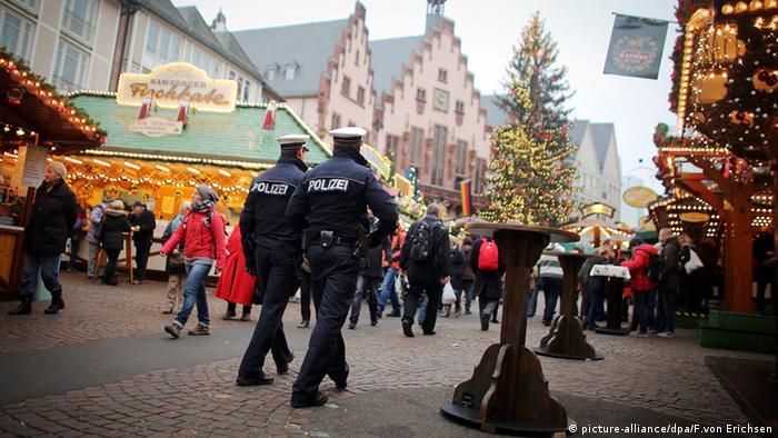 Weihnachtsmarkt Frankfurt am Main Hessen Polizei