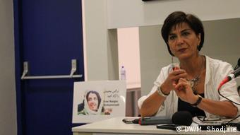 منصوره شجاعی فعال حقوق زنان و پژوهشگر ساکن هلند است