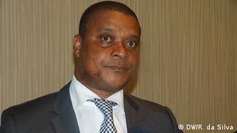 Mosambikanische Minister für Industrie und Handel Max Tonela