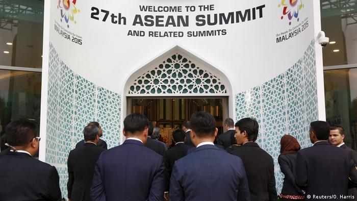 Malaysia hosts the 27th ASEAN summit